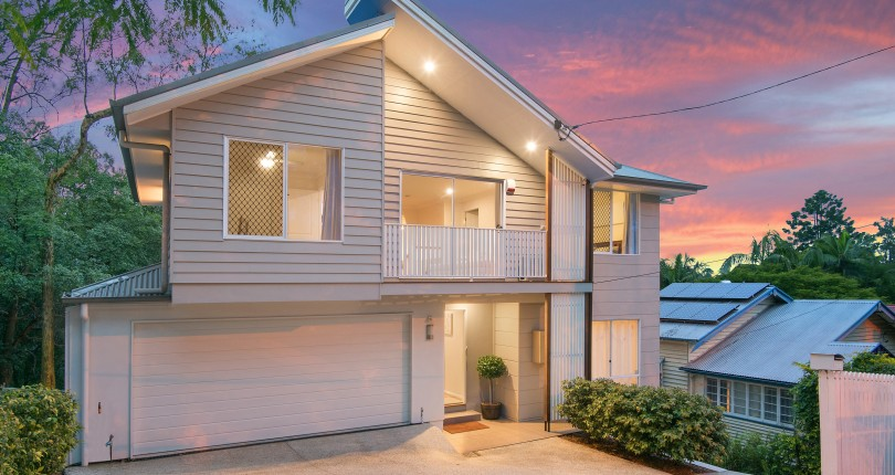 Should I list my property exclusively or with multiple agents in Brisbane?