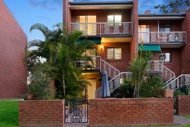 10/11 Austral St, St Lucia | St Lucia Property Market