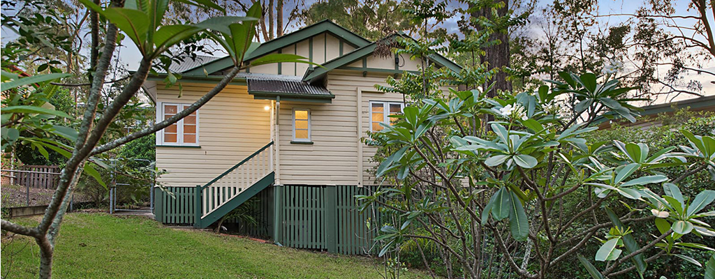 Property in Indooroopilly which can be renovated or knocked down