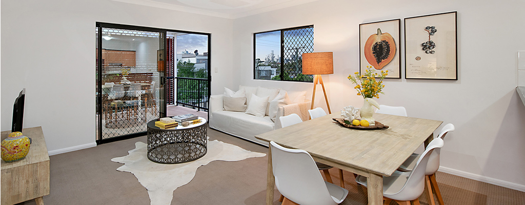 Toowong real estate also includes apartments, often with open plan living areas and balconies