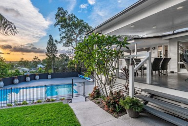 Real estate in Indooroopilly overlooking the Brisbane river