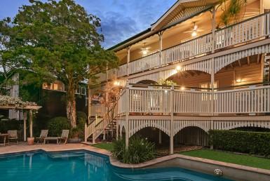 Grand Queensland on Birdwood Terrace, Towoong with pool, verandah and deck