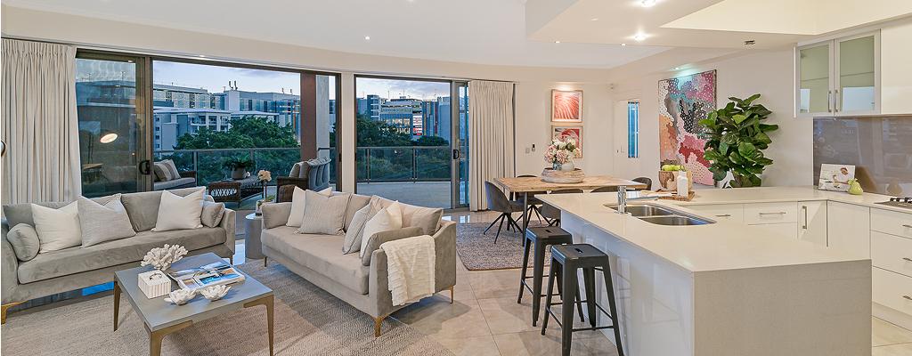 5/52 Underhill Avenue, Indooroopilly Living/Kitchen area